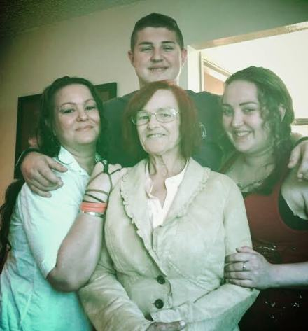 TwinkleV, OzraV, Mom, and KharismaV July 13, 2015_3-a